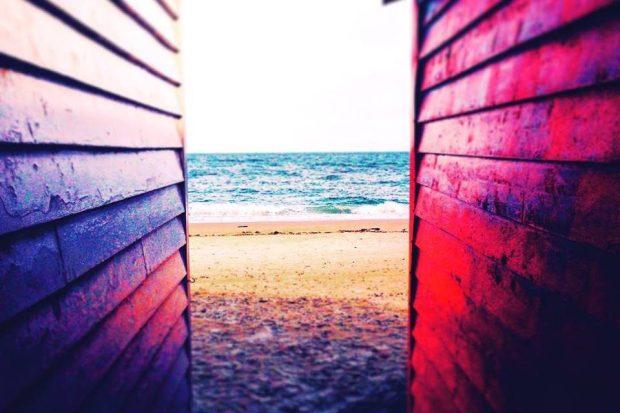 cropped-beach-boxes2.jpg